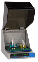 SI4 inkubovaná stolní třepačka